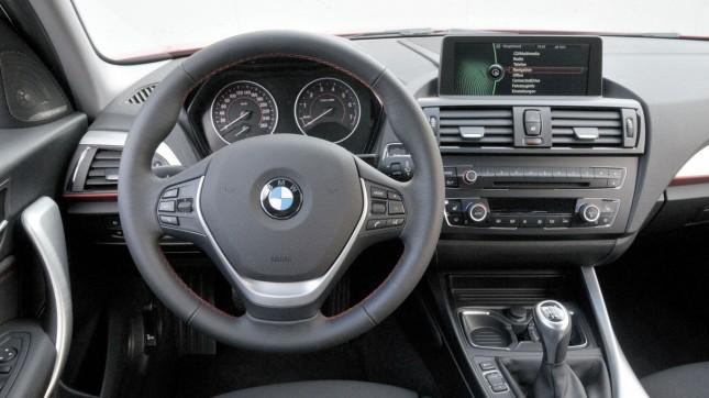 2011 BMW 118i (1)