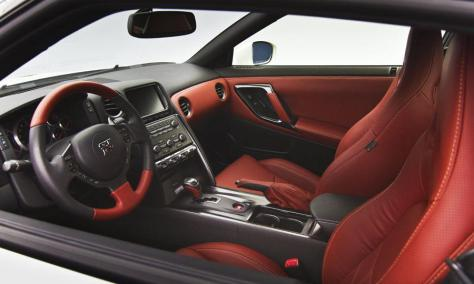 Nissan GT-R 2014 (2)
