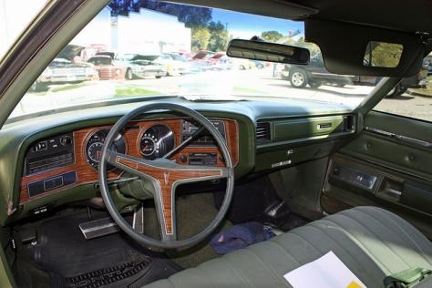 1971 Pontiac Grand Ville (2)