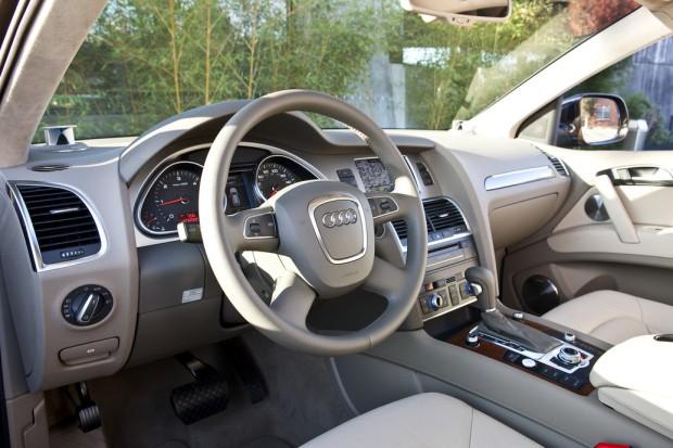 2014 Audi Q7 (1)