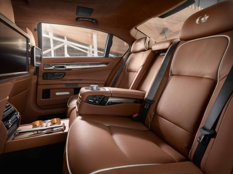 2014 BMW 760Li (2)
