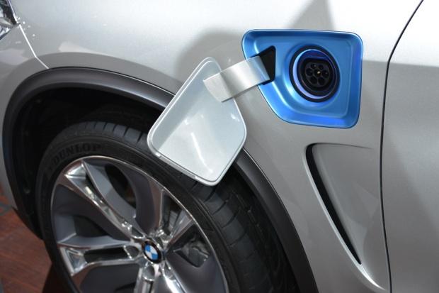 2014 BMW X5 eDrive Plug-In Hybrid (1)