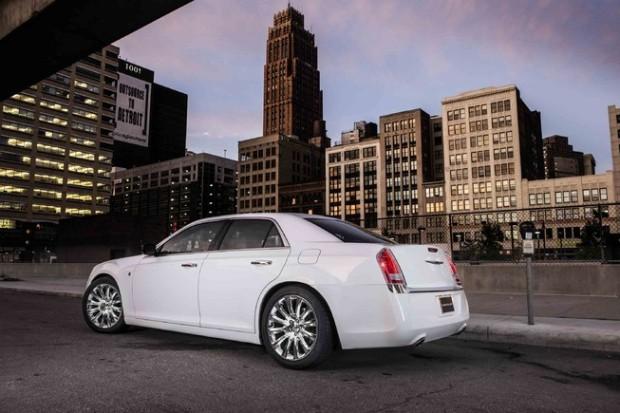 2014 Chrysler 300 (1)