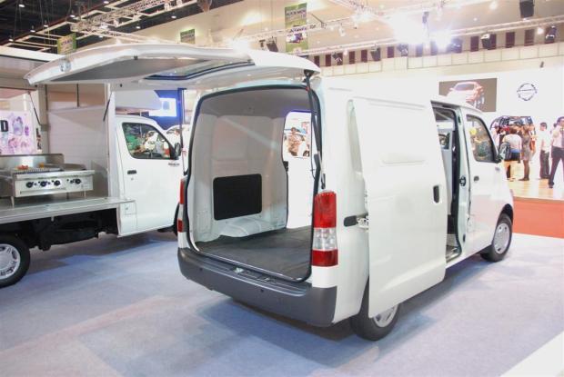 2014 Daihatsu Gran Max (1)