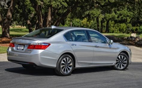 2014 Honda Accord Hybrid (1)