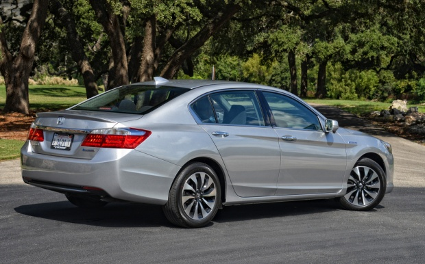 2014 Honda Accord Hybrid (1)