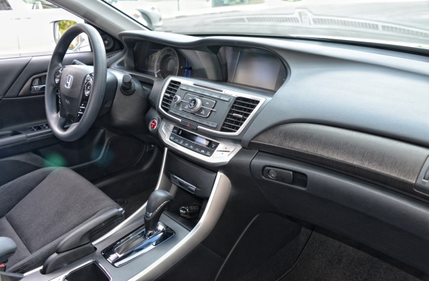 2014 Honda Accord Hybrid (3)