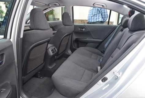 2014 Honda Accord Hybrid (4)