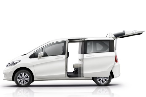 2014 Honda Freed (1)