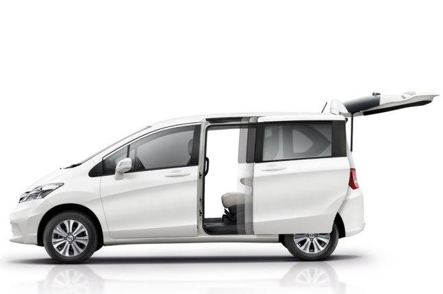 2014 Honda Freed (1)