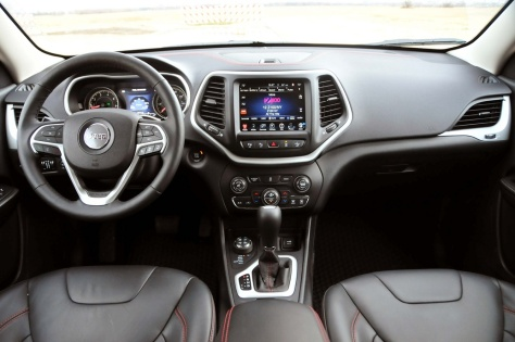 2014 Jeep Cherokee Trailhawk 4x4 (2)