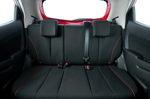2014 Mazda2 Hatchback (3)