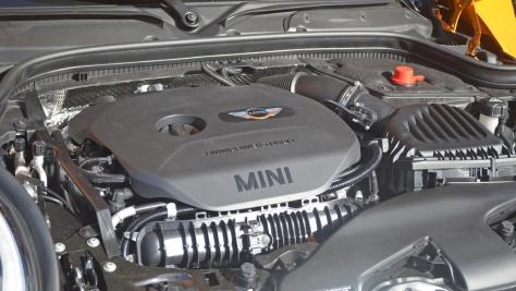 2014 MINI Cooper Hardtop (2)