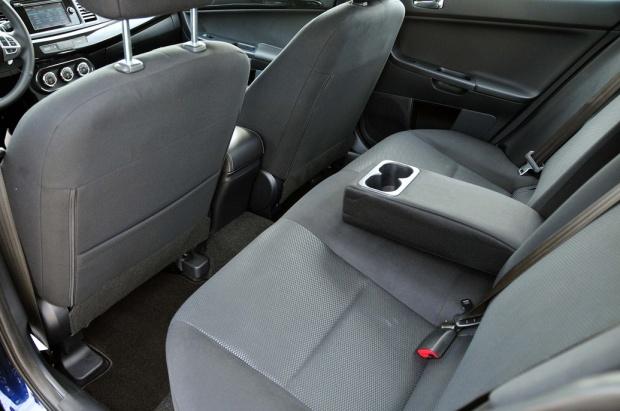 2014 Mitsubishi Lancer GT (4)