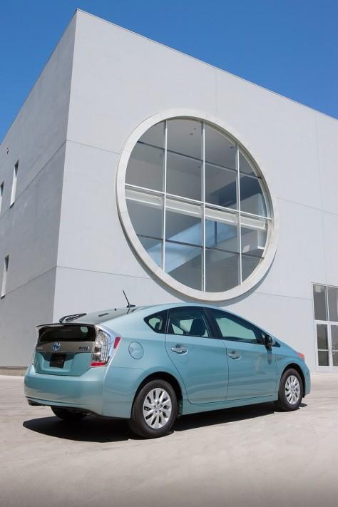 2014 Toyota Prius Plug-in Hybrid