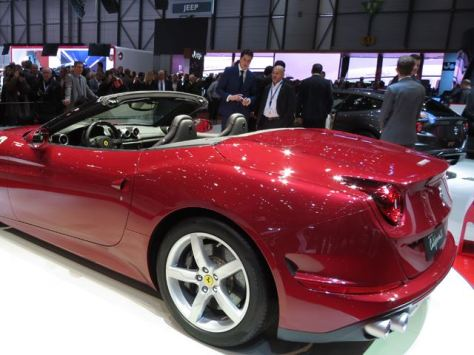 Ferrari California T (1)