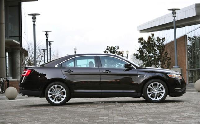 2013 Ford Taurus (3)