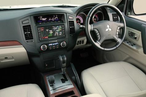 2014 Mitsubishi Pajero Sport 2