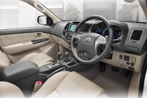 2014 Toyota Fortuner (1)