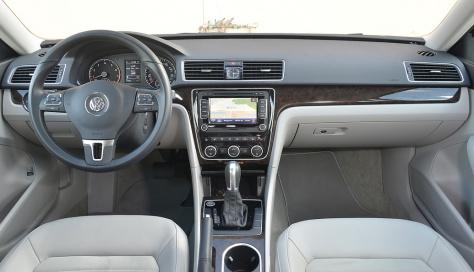2014 Volkswagen Passat Premium (3)