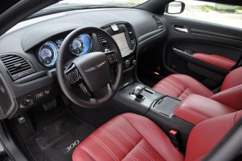 Chrysler 300s (2)